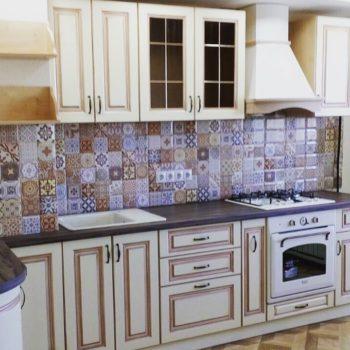 МДФ фасады с патиной. Кухни классические и современные на заказ в нашем салоне! Эта кухня спроектирована и изготовлена специально для наших клиентов. #мебельвпетропавловске #sko_kz #petropavlovsk