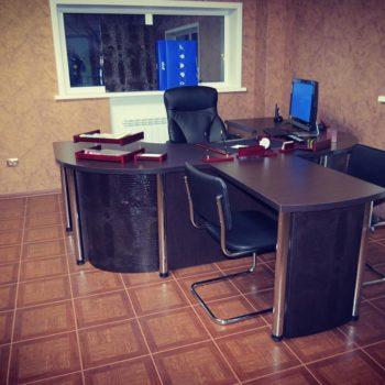 Стол руководителя !!!Кожаные вставки#мебельдляофиса #cittadella #подзаказ