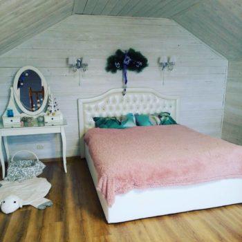 Белая кровать с каретной стяжкой Балтимор в Петропавловске