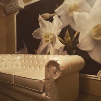 Бежевый диван в каретной стяжке Альбукерке в Петропавловске