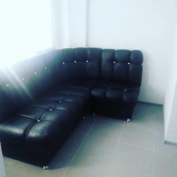 Чёрный угловой диван в каретной стяжке Портленд в Петропавловске