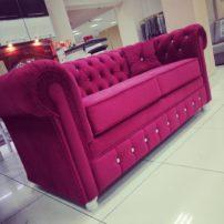 Розовый диван в каретной стяжке Лонг-Бич в Петропавловске