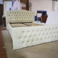 Белая кровать с каретной стяжкой Роли в Петропавловске